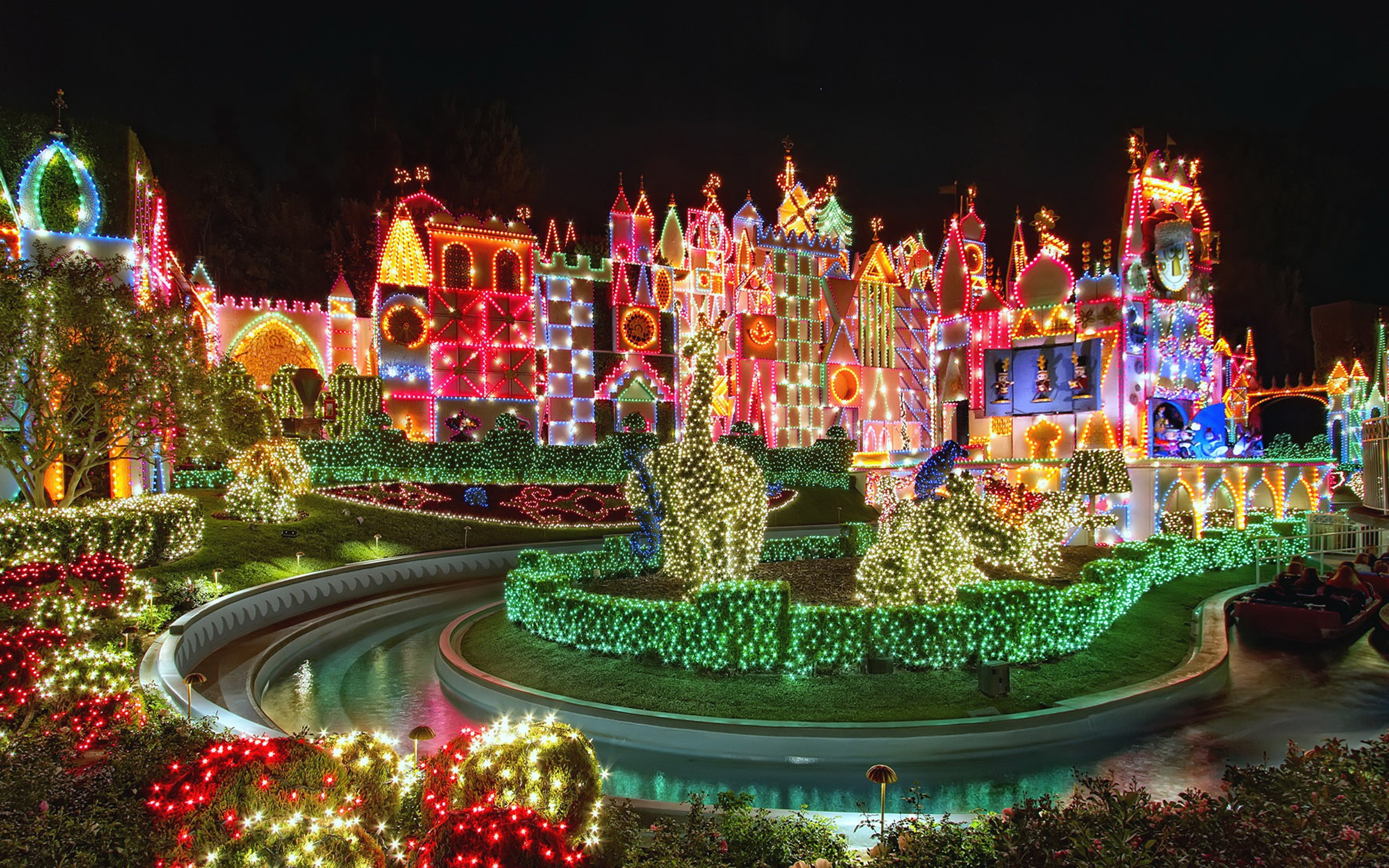 Amazing Christmas Light Show Wide