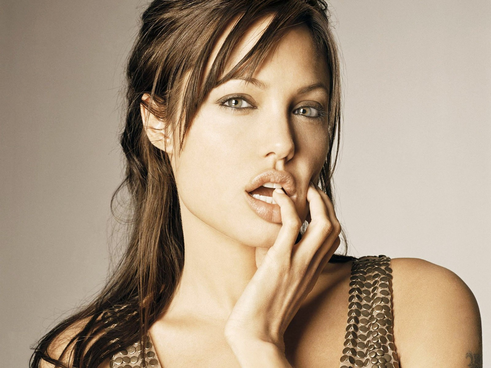 Angelina Jolie Finger In Mouth
