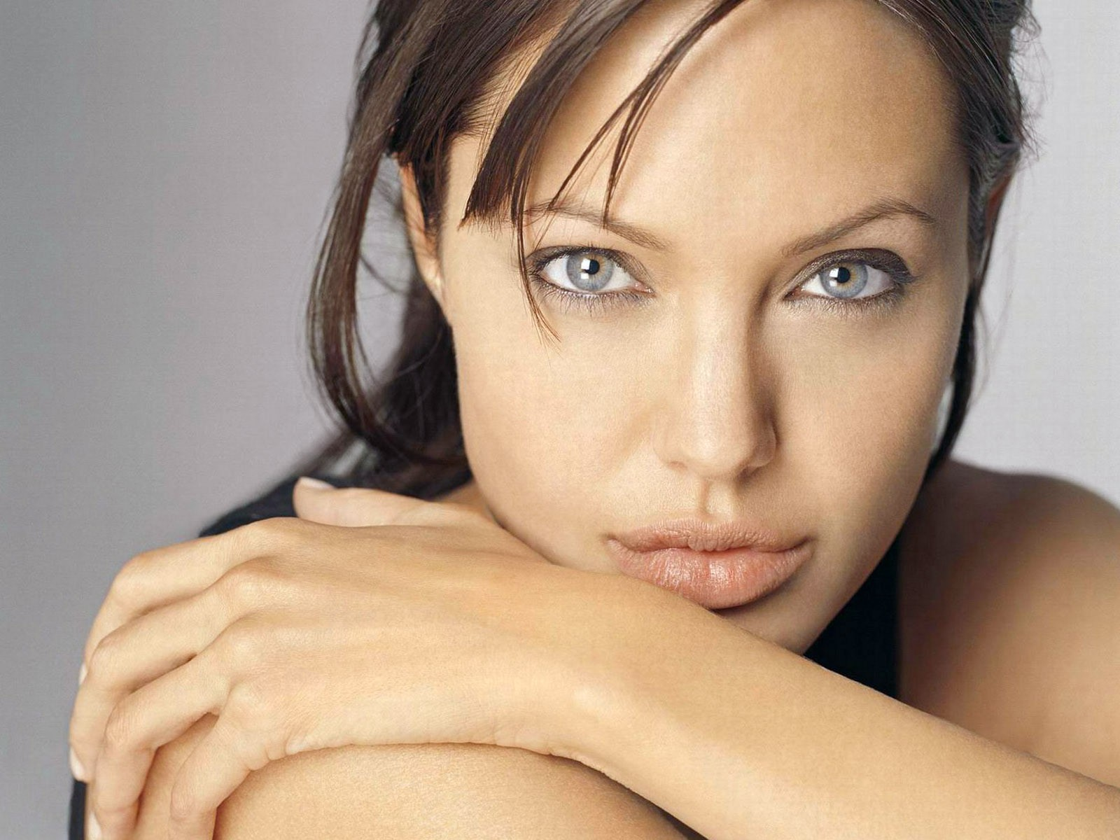 Angelina Jolie Look