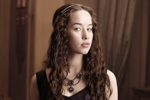 Anna Popplewell As Lola Wide