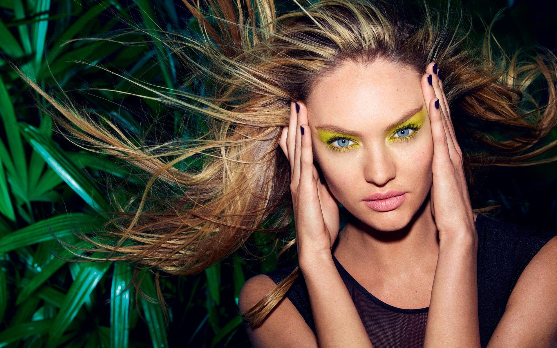 Candice Swanepoel 2014 Wide