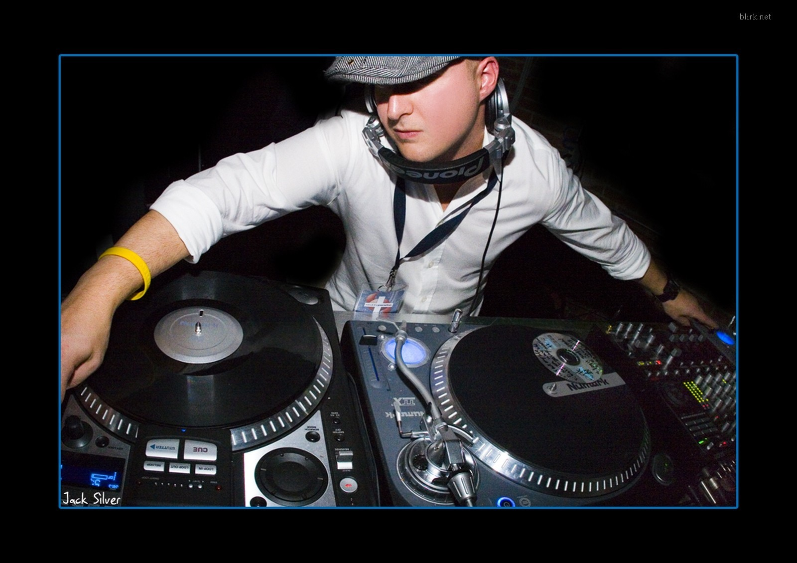 Dj In Live Streaming Other