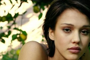 Jessica Alba In Plants Background