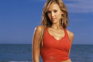 Jessica Alba In Red T Shirt On Coast