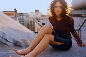 Jessica Alba On Roof In Jeans Skirt