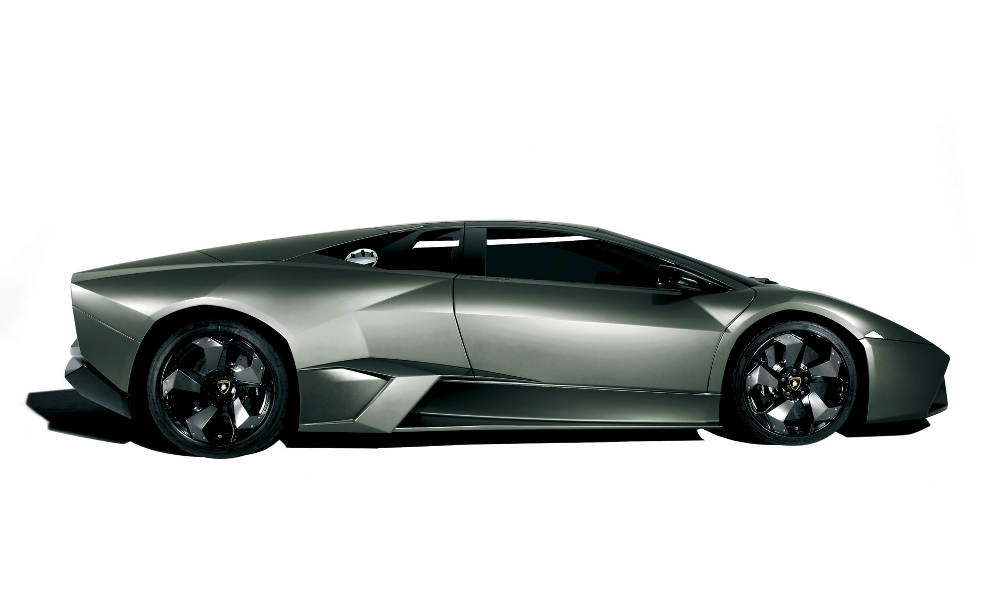 Lamborghini Reventon Side View 3D Wide