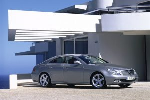 Mercedes Benz Cls 500 Near House