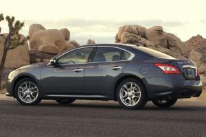 Nissan Maxima 2010 Rocks Wide