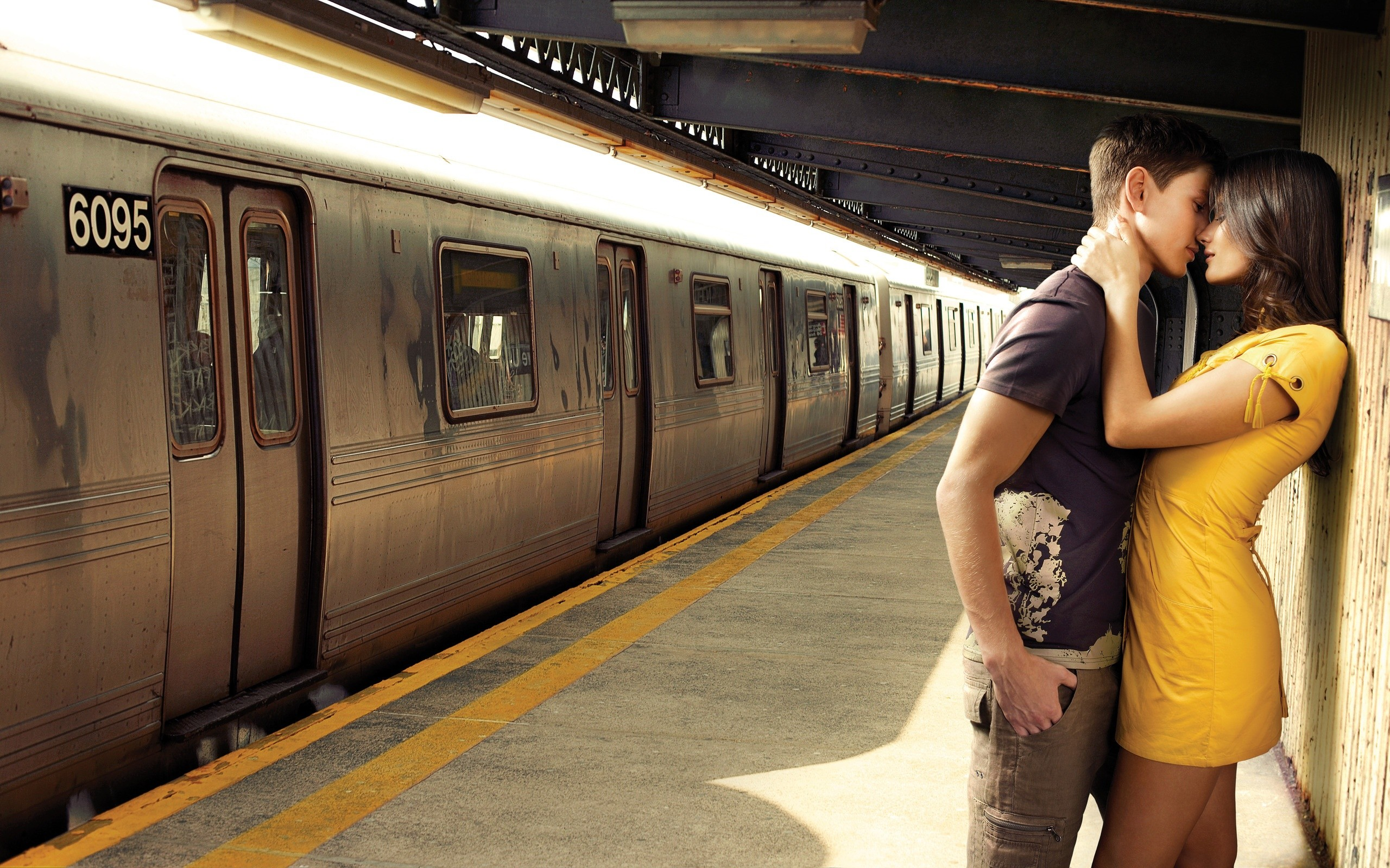 Train Station Couple Love Wide