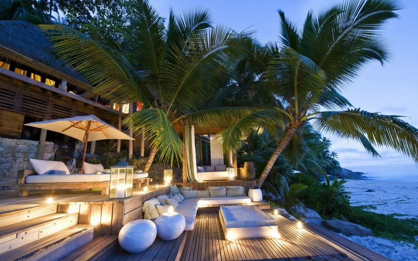 Tropical House Wide