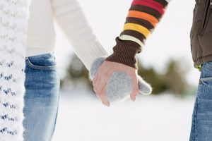 holding_hands-HD